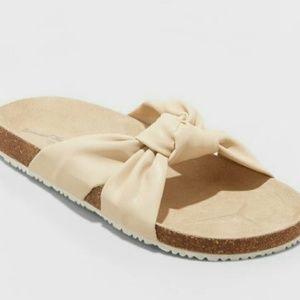 Cream Bow Slides Size 6